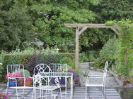http://www.clare-tour.com/images/bunratty_manor_garden.jpg